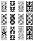 凯尔特在白色和黑色的样式不尽的结长方形标志通过爱尔兰人圣帕特里克` s天和爱尔兰人和苏格兰雕刻启发了 皇族释放例证