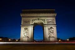 凯旋门在巴黎,法国在晚上 库存照片