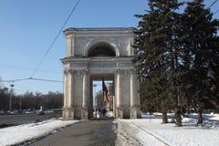 凯旋门天,基什尼奥夫基希纳乌摩尔多瓦 免版税图库摄影