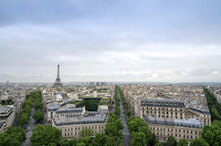 巴黎从凯旋门的地平线视图在巴黎 库存图片