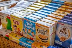 凯洛格的谷物品种组装,唯一服务箱子 库存图片