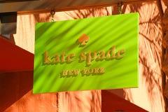 凯特在商店前面标志的锹商标 库存照片
