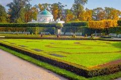 凯瑟琳公园在普希金前Tsarskoe Selo, StPetersburg,俄罗斯 库存照片