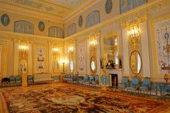 凯瑟琳宫殿内部一个洛可可式的宫殿在Tsarskoye Selo圣彼得堡 免版税库存图片