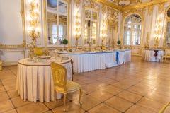 凯瑟琳宫殿内部,一个洛可可式的宫殿在Tsarskoye Selo, 免版税库存照片