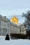 凯瑟琳宫殿在冬时的普希金,俄罗斯 免版税库存照片
