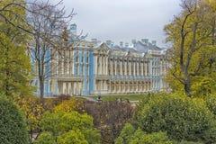 凯瑟琳宫殿在Tsarskoe的Selo普希金庭院里 库存图片