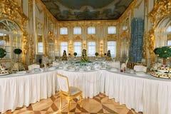凯瑟琳宫殿的内部在Tsarskoye Selo (普希金), ne 图库摄影