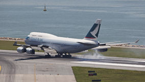 凯茜和平的客机着陆 库存照片