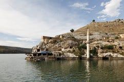 凹下去的村庄在Halfeti, Urfa 免版税图库摄影