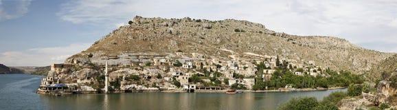 凹下去的村庄在Halfeti, Urfa 免版税库存照片