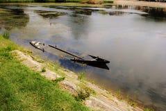 凹下去的独木舟 库存图片