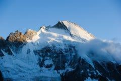 凹痕d'Hérens (4171m) 库存图片