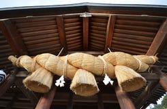 出云寺庙金绳索在Izuma,岛根perfecture 库存图片