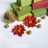 出现日历动画片圣诞节要素图标计时多种 创作的过程,手工制造 在箱子的礼物 新年度 圣诞节 图库摄影