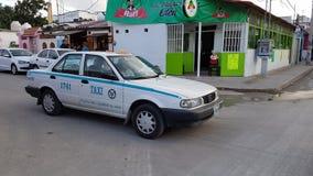 出租汽车在海滨del卡门,墨西哥 库存图片