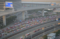 出租汽车在香港国际机场排队 免版税库存照片