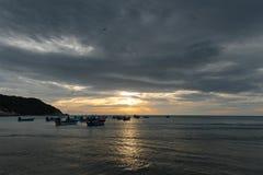 出租汽车小船早晨场面在haad rin, phangan的酸值的 库存照片