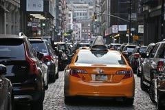 出租汽车汽车在苏活区,纽约 库存图片