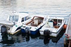水出租汽车的运输小船在夏时 库存照片