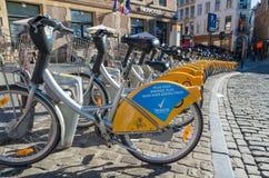 出租自行车在布鲁塞尔 图库摄影