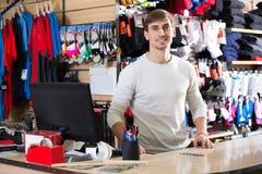 出纳员在衣物商店 免版税图库摄影