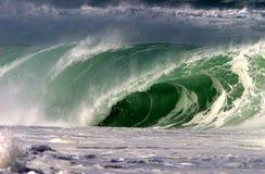 击碎夏威夷北部海洋岸通知 库存图片