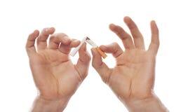 击碎现有量人s的香烟 免版税库存照片