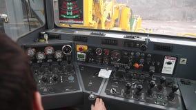 凿岩机客舱的操作员  股票录像
