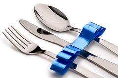 刀叉餐具丝带 免版税库存照片