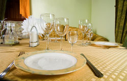刀叉餐具餐馆表 免版税库存照片