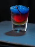 分子五颜六色的鸡尾酒 免版税库存图片