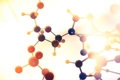 分子,脱氧核糖核酸和原子在科学研究实验室塑造 免版税库存照片
