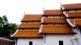 分层堆积寺庙屋顶 免版税图库摄影