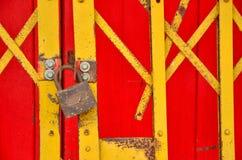 分层装置被锁的篱芭中国风格 免版税图库摄影