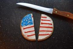 分开的爱国曲奇饼 库存图片