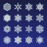 分开的雪花乱画在平的样式的传染媒介土气圣诞节clipart新年雪水晶例证 免版税库存照片