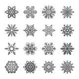 分开的雪花乱画在平的样式的传染媒介土气圣诞节clipart新年雪水晶例证 免版税图库摄影
