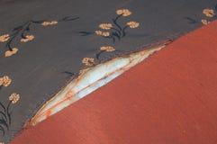 分开被剥去的美丽的织品 免版税库存照片
