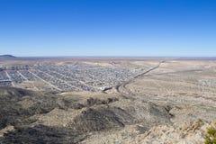 分离墨西哥和U的国境 S 库存图片