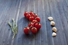 分行新鲜的蕃茄 库存照片