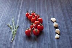 分行新鲜的蕃茄 图库摄影