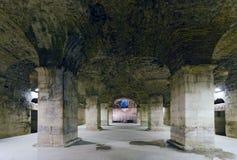 分裂。Diocletian宫殿地下  免版税库存图片
