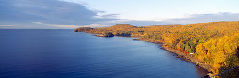 分裂岩石灯塔从1905年,苏必利尔湖,明尼苏达 库存照片