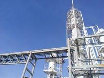 分裂蒸馏塔和热化熔炉 图库摄影