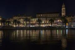 分裂,克罗地亚在夜之前 免版税库存图片