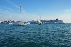 分裂,克罗地亚- 2016年9月3日:在分裂港口,克罗地亚的船 免版税库存图片