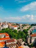 分裂,老镇,克罗地亚 从塔响铃塔的看法到 库存照片