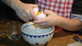 分离卵黄质从蛋白,家庭烘烤,冬天 影视素材