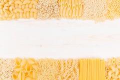 分类另外种类意大利人通心面面团背景装饰边界  库存照片